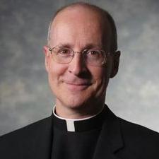 May 15, 2019 - A Virtual Conversation with Fr. James Martin, SJ at ALUUC